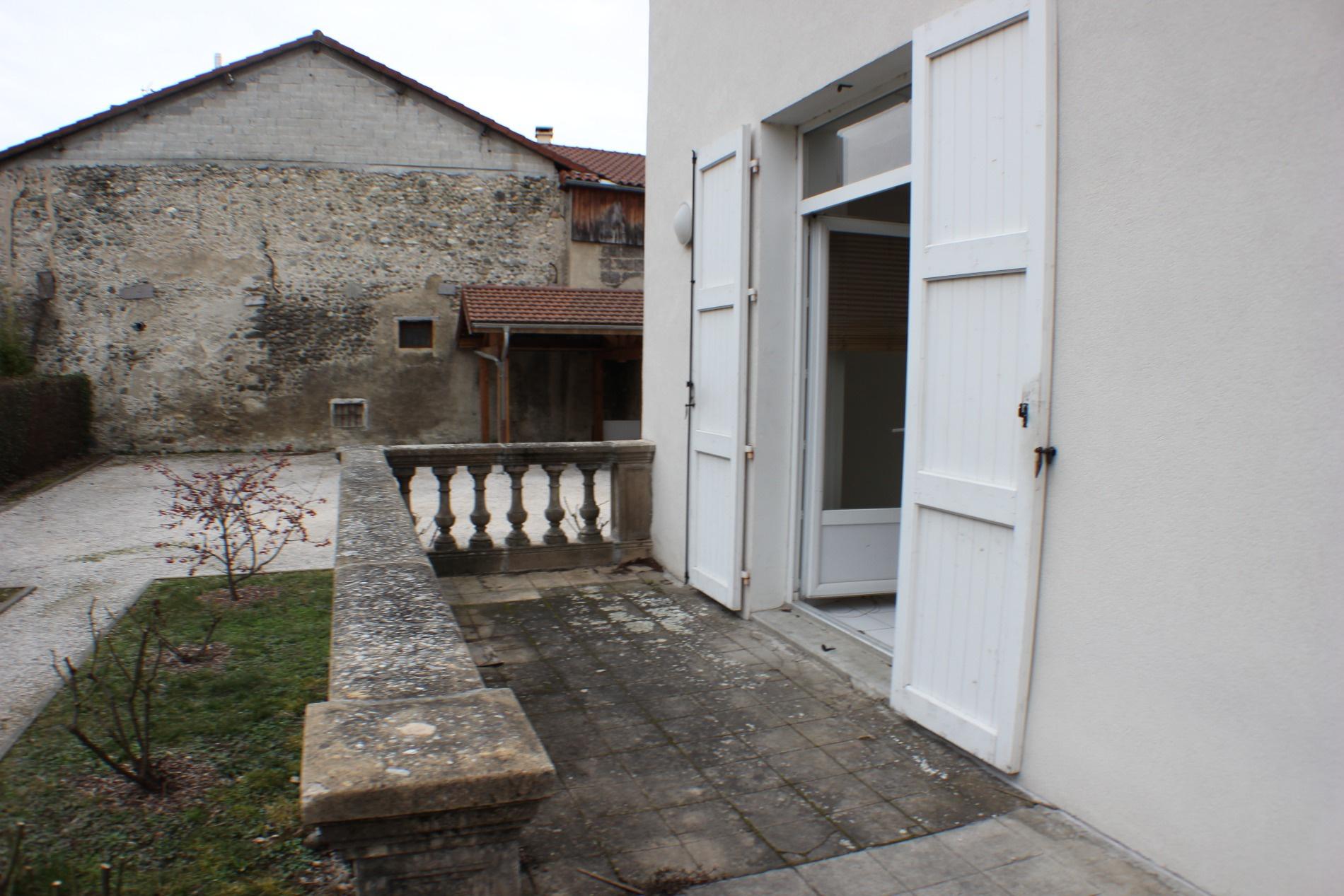 Vente eybens dans maison bourgeoise appartement en duplex for Appartement dans maison